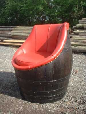 Буре превърнато във фотьойл