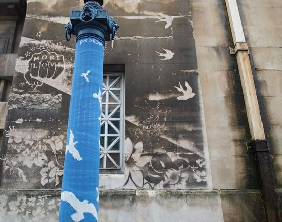 reverse graffiti + yarnbombing - Bristol, UK. Love this - wonder where it is in Bristol?