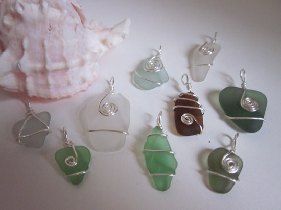 Lots of wire wrapping samples!