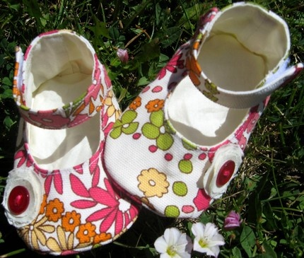 So cute! baby shoes!
