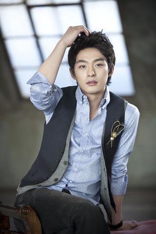 Today is Jun Tae Soo's (Sungkyunkwan Scandal/It's Okay, Daddy's Girl) 29th birthday