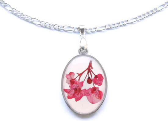 Pink hydrangea pendant necklace Pressed by AmazoniaAccessories, €19.00 #hydrangea #pendant #pink #necklace #handmade #flowers #floral #botanical #garden #resin #silver #driedflowers