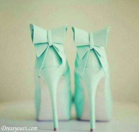 This colour....bows.....heels....perfect!