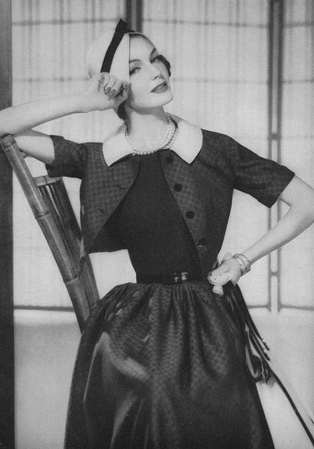 Love the fitted matching cropped jacket. #vintage #fashion #1950s