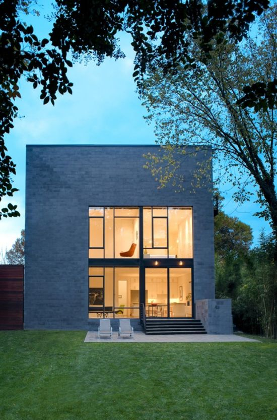 Hampden Lane House / Robert Gurney Architect