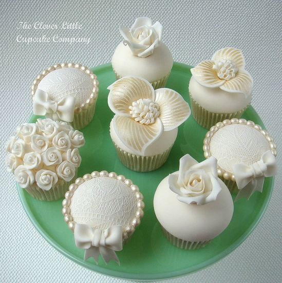 Vintage Lace and Pearl Cupcakes
