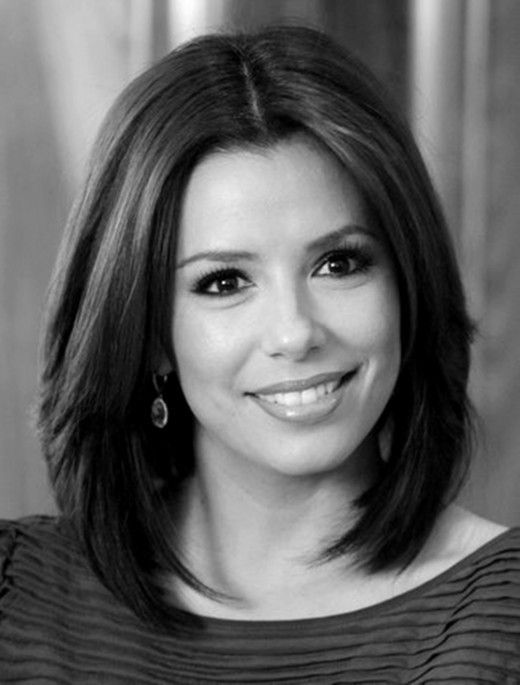 """Eva Longoria looks gorgeous in this easy to manage medium hair style. I think this may just have to be my """"mom"""" hair style in the future haha"""