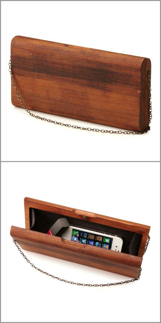 Ръчно направена дамска чантичка от дърво