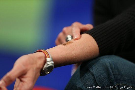 Biosensor tattoo monitors sweat to gauge physical exertion