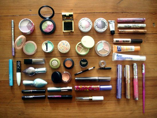 101 makeup tips every girl should know.....these are seriously so good.