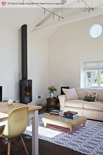hearthomemag.co.uk Issue 6 Laura Holmes by hearthomemag, via Flickr