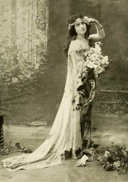 """The favorite"", 1903. #vintage #Edwardian #classicism"