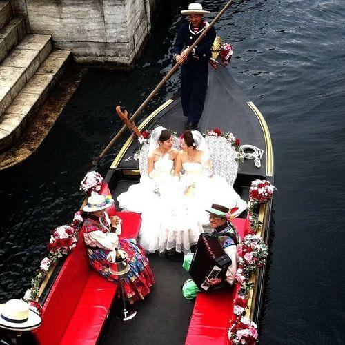 seekbi.com --- First #same-sex #wedding held at #Tokyo #Disney!