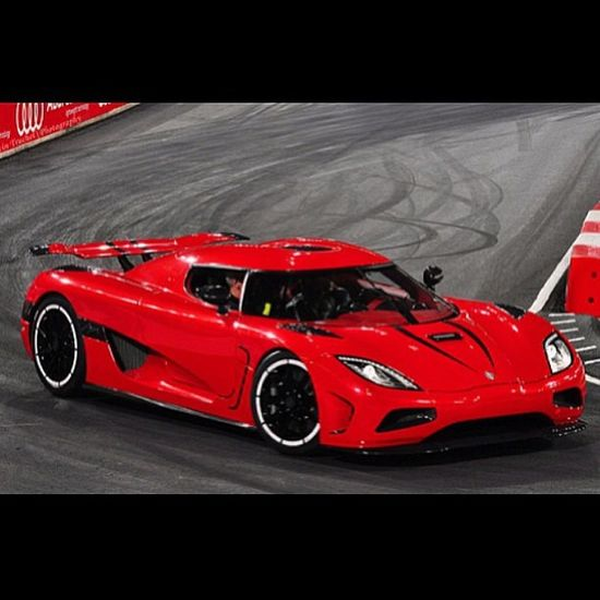 Super hot Red Koenigsegg Agera.