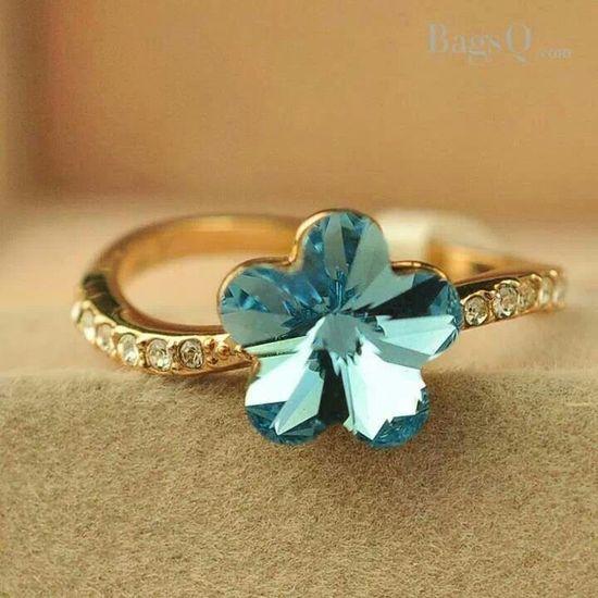 Beautiful flower ring