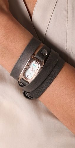 uhhhh i WANT! maybe I would actually remember to wear a watch.