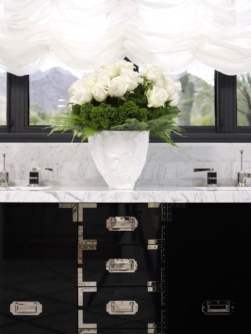 Black cabinetry & white carrera marble