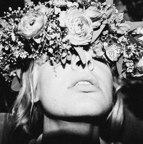 [][][] flower crown