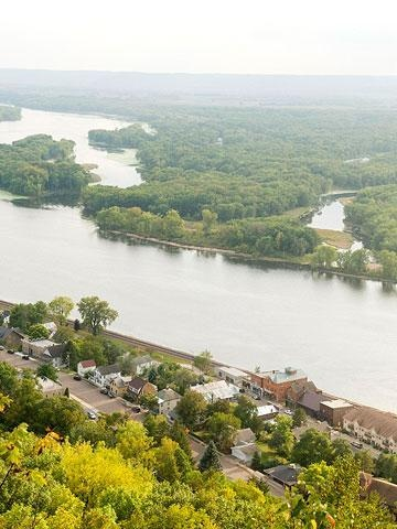 Three weekend getaways near Minneapolis: Tips for visiting the Great River Road, Northfield and Lanesboro.