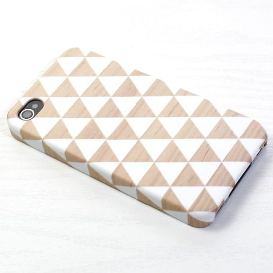 Triangle iphone case,  wood pattern, iphone case, iphone 4/4s, iphone 5 case