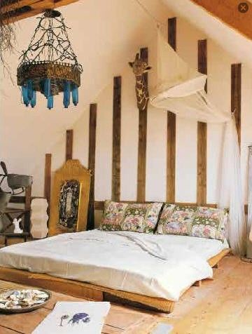 Sweet bohemian style rooms!  LOVE the light!