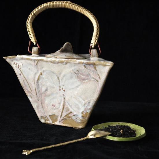 I know it's a teapot, but it's art