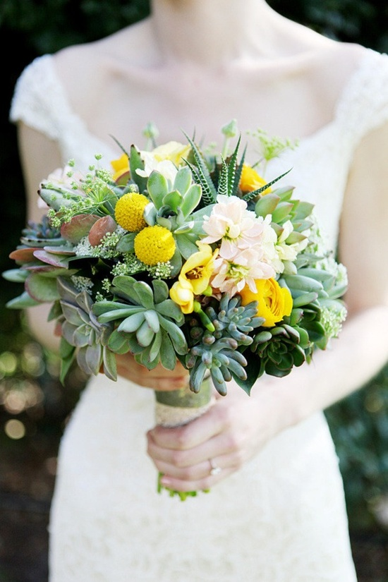 succulent #bouquet with yellow