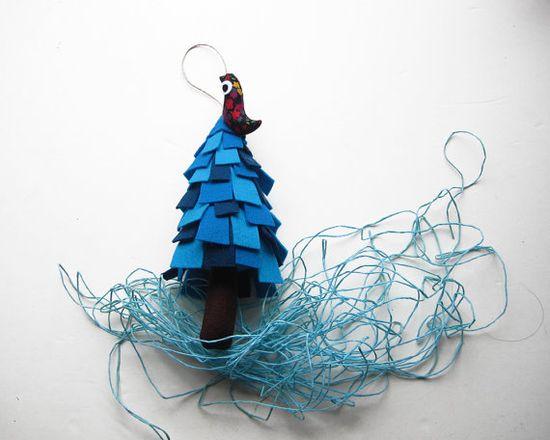 Christmas Tree with bird Christmas ornament to hang.