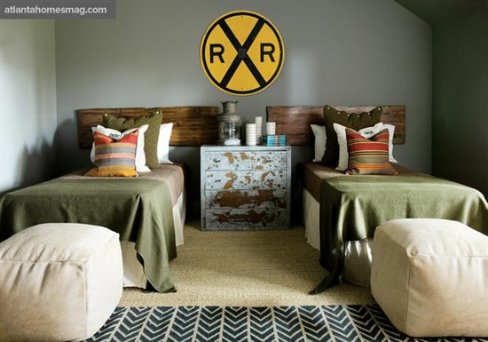Love the rr crossing sign for the boys' room