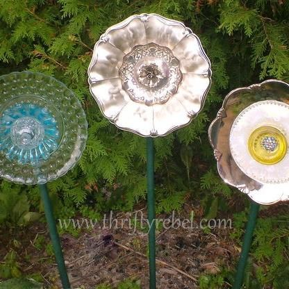{Vintage Plates} repurposed into {Gorgeous Garden Decor!}