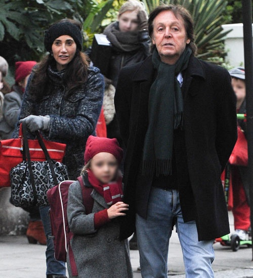 Paul McCartney, un cariñoso padrazo con su hija Beatrice #cantantes #singers #people #celebrities #famosos