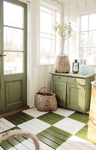 green door, checkered floor...love this shade of green!