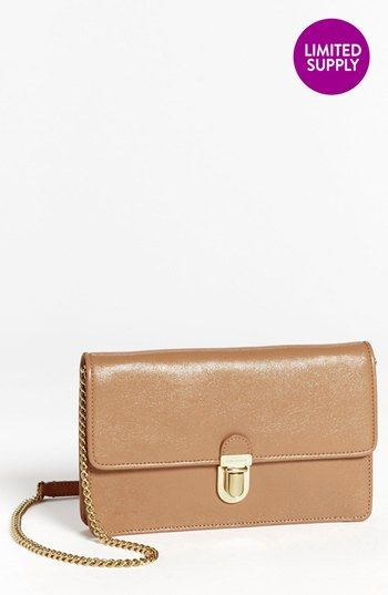 classic and feminine marc jacobs leather clutch