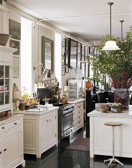 roman + williams kitchen. swoon.