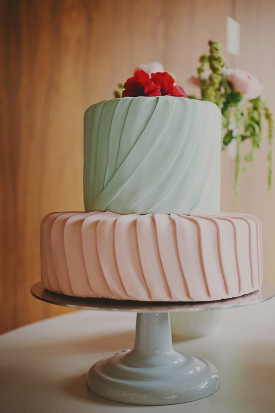 teal and pink wedding cake // photo by RedWhiteandGreenP...