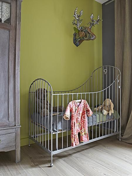 Green / crib