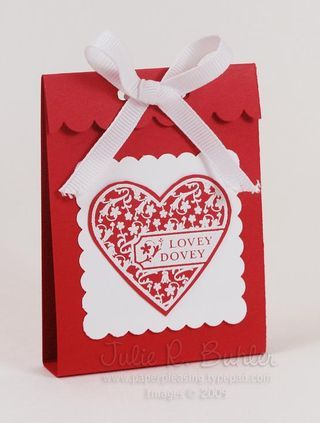 Quick and easy valentine treats -http://paperpleasing.typepad.com/my_weblog/2009/01/quick-valentine-gifts.html - bjl