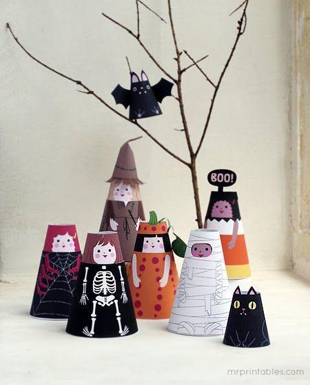 Free printable Halloween paper dolls.
