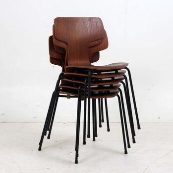Arne Jacobsen model 3103. #allgoodthings #danish #chair spotted by @missdesignsays