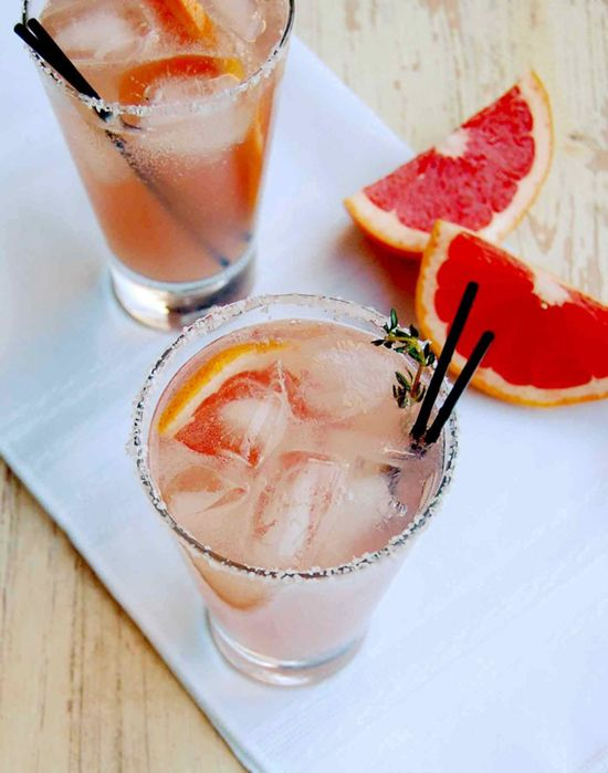 thyme paloma cocktail // tequila + grapefruit