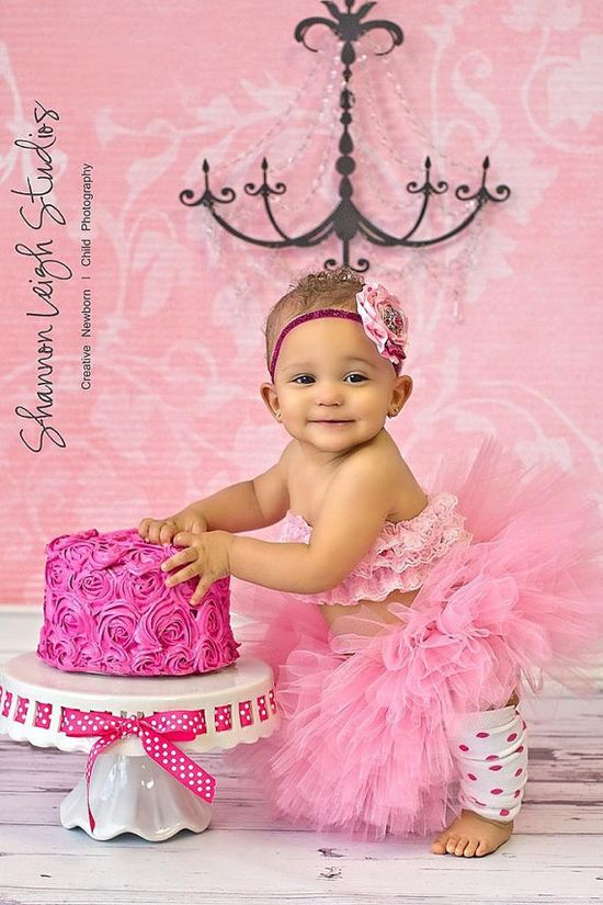 fake cake for babies 1st Birthday photo session