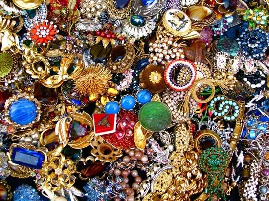vintage jewelry stand. portobello market, london.