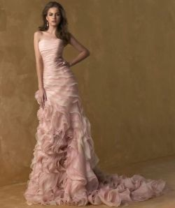 Lovely Pink Wedding Dress!!