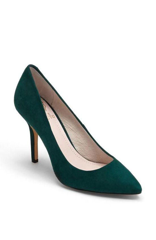 Gorgeous emerald pump!