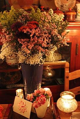 love this flower arrangement