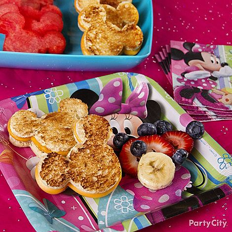 Minnie Mouse Party Ideas: Food - grilled cheese and fruit shaped as minnie