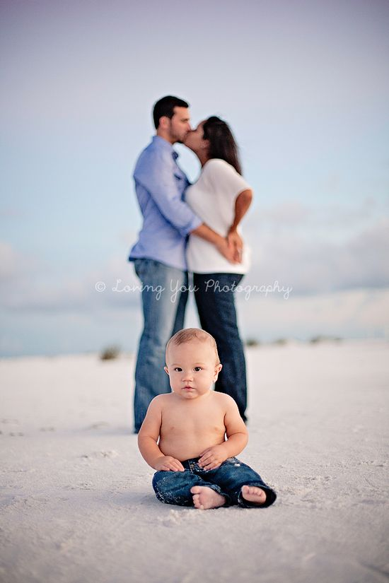 Beach Family Photography » Loving You Photography baby family