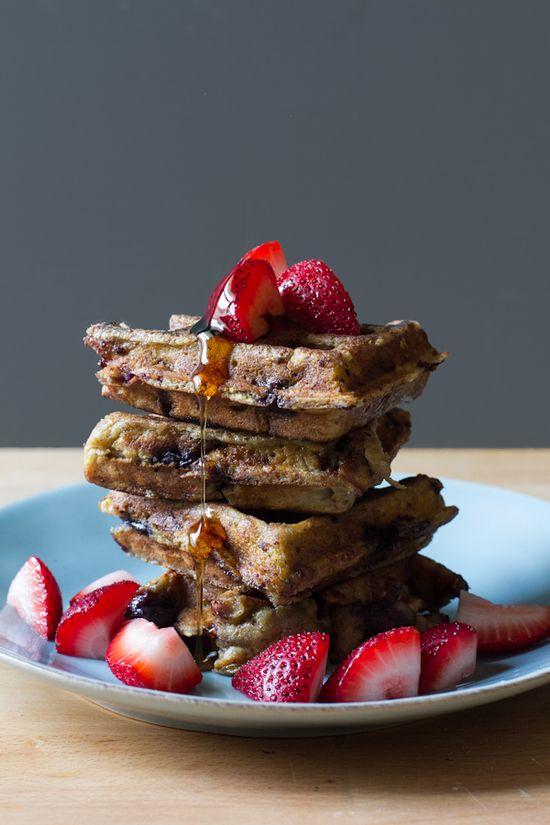 breakfast friday >> blueberry oat waffle frenchtoast