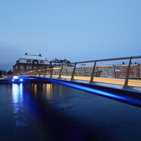 Snow-free heated bridge opens in Sweden
