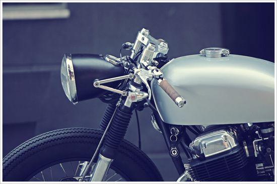 1969 HONDA CB750 'El Gato' by DerangedMotorworks - Pipeburn - Purveyors of Classic Motorcycles, Cafe Racers & Custom motorbikes